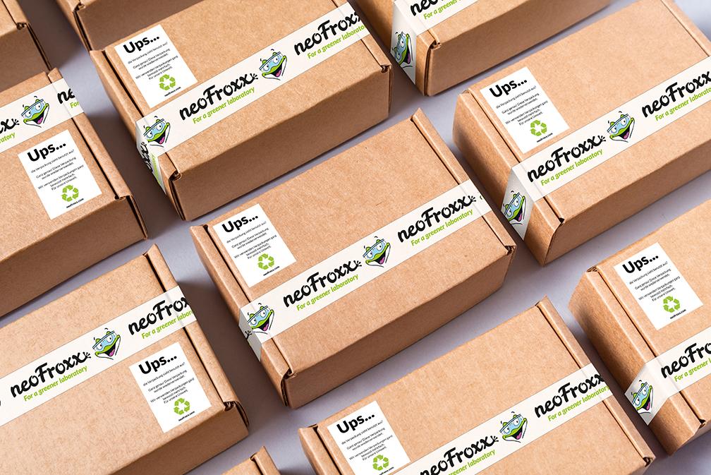 neoFroxx verwendet seine Verpackungen neu