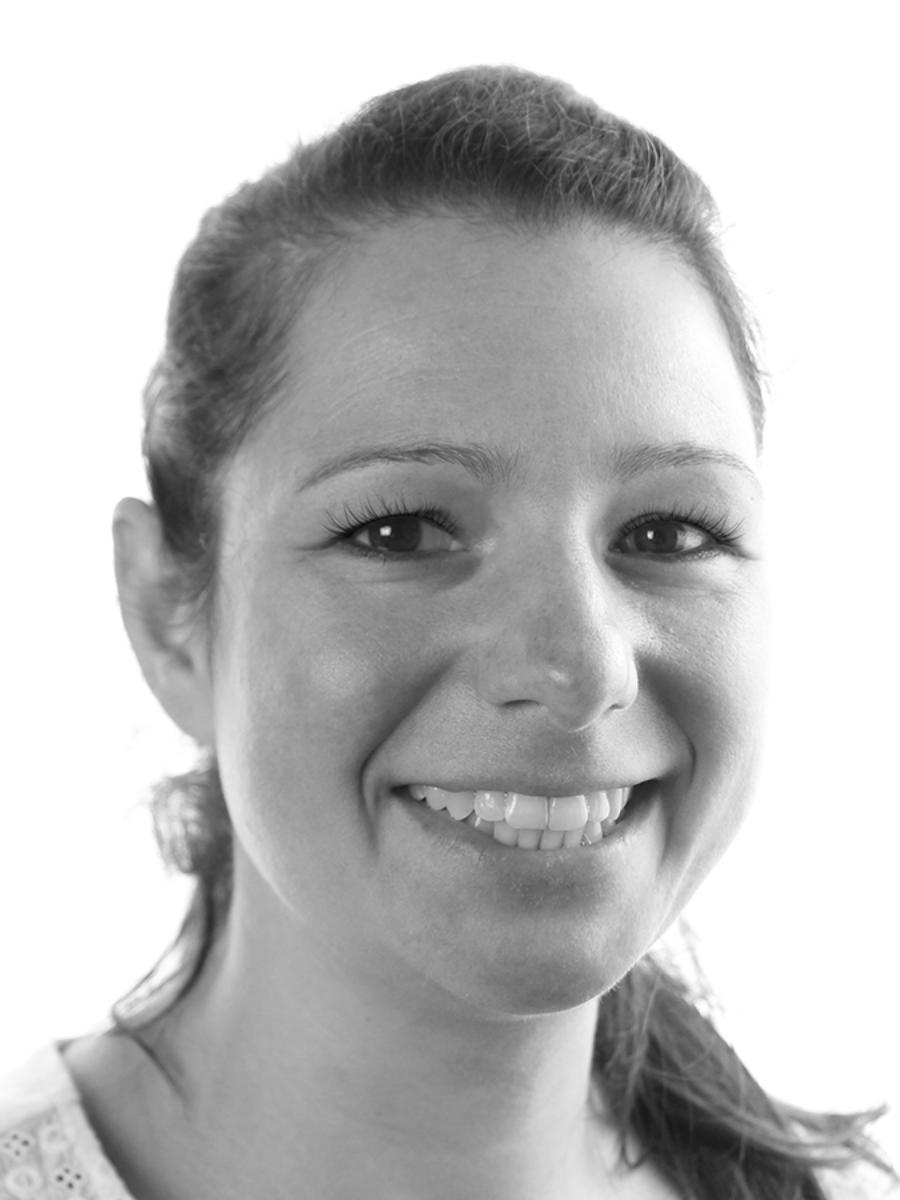 Dr. Julia Bauer